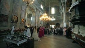 Свадебная церемония в старой церков акции видеоматериалы