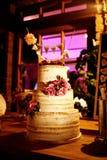 Свадебный пирог в вечере Стоковая Фотография