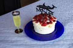Свадебный пирог - коктеиль стоковое изображение
