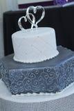 Свадебный пирог 2-сердца Стоковые Изображения RF