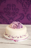 свадебный пирог с цветками сахара Стоковое фото RF