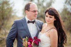 Свадьба и любовная история в природе Стоковые Фотографии RF