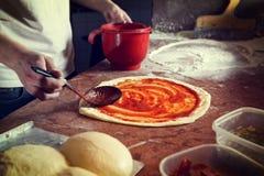 свежая итальянская пицца стоковые изображения rf