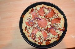Свежая на вынос пицца стоковые фото
