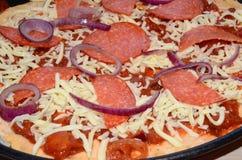 Свежая на вынос пицца стоковое изображение