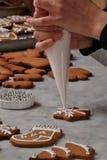 Свежая подготовка печений рождества Стоковые Фотографии RF