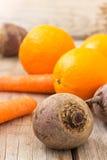 Свежая свекла, морковь & апельсиновый сок Стоковое Изображение