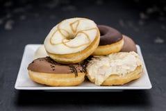 Свежая сделанная съемка конца-вверх Donuts Стоковое Фото