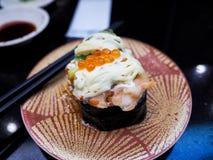 Свежая семга eggs суши Стоковая Фотография