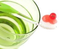 свежая minty зубная паста зубной щетки Стоковая Фотография RF