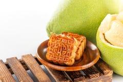 Свежее и, который слезло pomeloshaddock, грейпфрут с кусками Стоковая Фотография RF