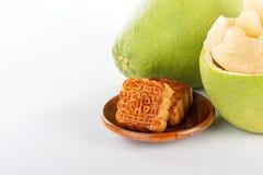 Свежее и, который слезло pomeloshaddock, грейпфрут с кусками Стоковое Изображение