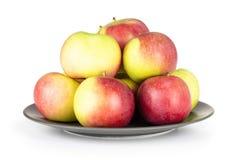 Свежее красное яблоко james горюет изолированный на белизне Стоковая Фотография