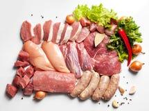 Свежее мясо готовое для того чтобы сварить с ингридиентом Стоковые Изображения