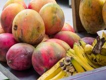 Свежее надувательство улицы тропических плодов стоковое изображение