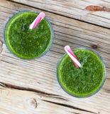 Свежее питье шпината Вытрезвитель весны еда здоровая еда здоровая Стоковые Изображения RF