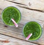 Свежее питье шпината Вытрезвитель весны еда здоровая еда здоровая Стоковое Фото