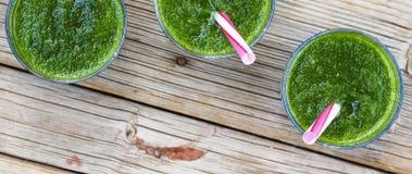 Свежее питье шпината Вытрезвитель весны еда здоровая еда здоровая Стоковая Фотография