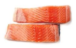 Свежее сырцовое salmon филе изолированное на белизне, сверху стоковые фотографии rf