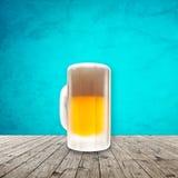 Свежее холодное пиво стоковые фотографии rf