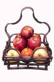 Свежее яблоко в корзине Стоковое фото RF