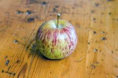 свеже выбранное яблоко Стоковая Фотография