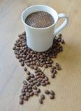 Свеже заваренная кофейная чашка Стоковые Изображения