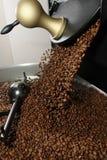 свеже зажаренный в духовке кофе фасолей Стоковая Фотография RF