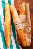 Свеже испеченный ассортимент французского хлеба стоковое изображение