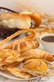 Свеже испеченный хлеб, круассан, крен кренделя Стоковое фото RF