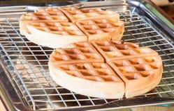 Свеже испечено вокруг waffles Стоковая Фотография