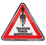 Свеже покрашенный предупредительный знак бесплатная иллюстрация