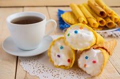 Свеже waffles меда переплели в конус Стоковое Изображение