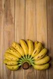Свежие бананы дальше Стоковые Изображения