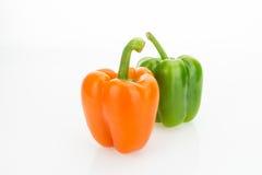 Свежие болгарские перцы апельсина и зеленого цвета Стоковое Изображение RF