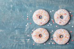 Свежие вкусные donuts с брызгают Стоковая Фотография RF