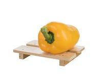 Свежие желтые болгарские перцы на белизне Стоковое фото RF
