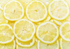 свежие желтые куски лимона Стоковые Изображения