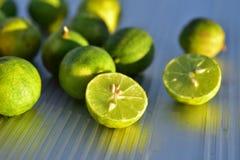 Свежие зеленые ключевые уменьшанные вдвое известки Стоковое Фото