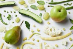 Свежие зеленые овощи и плодоовощи Стоковая Фотография RF