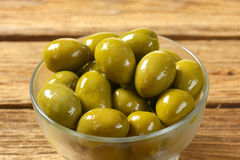 свежие зеленые оливки Стоковое фото RF
