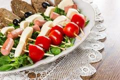Свежие итальянские сыр и овощи с хлебом стоковое изображение
