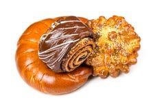 Свежие и вкусные плюшки с с сезамом и маковыми семененами, острословием бейгл Стоковое Фото