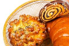 Свежие и вкусные плюшки с с сезамом и маковыми семененами, острословием бейгл Стоковая Фотография RF
