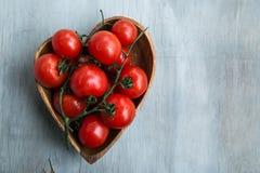 Свежие красно- очень вкусные томаты Стоковое Изображение