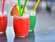 Свежие красные и зеленые коктеили Стоковые Фото