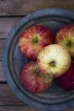 Свежие красные яблоки Стоковые Фото