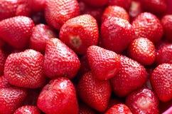 Свежие красные яркие клубники Макрос, взгляд сверху Стоковое Изображение