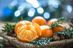Свежие Клементины или Tangerines в корзине Стоковая Фотография