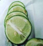 Свежие лимон или сок лайма стоковое фото